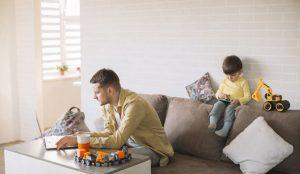 El teletrabajo anima a los españoles a convertir sus hogares en oficinas