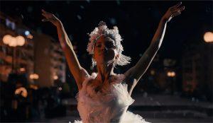 Amazon conjura las frustraciones de 2020 en este bello spot protagonizado por una bailarina