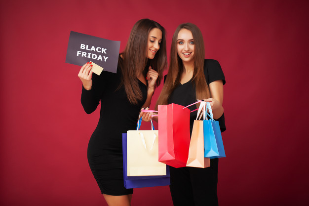 consumidores en campaña de black friday
