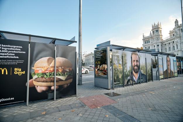 McDonald's apoya el lanzamiento de su hamburguesa Big Good con una campaña de publicidad exterior