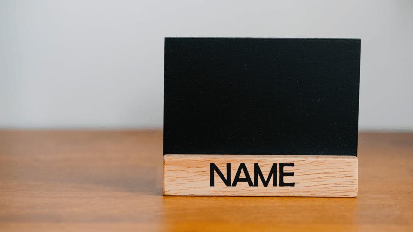 Así eligieron estas 21 empresas tecnológicas sus nombres