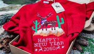 Holaluz diseña 3 jerséis navideños que reflejan cómo será la Navidad de 2050
