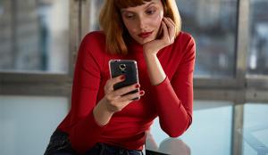 La nueva campaña de marca de Babbel destaca los efectos transformadores de las conversaciones simples