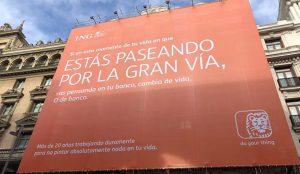 ING presenta su nueva filosofía de marca con una gigantesca lona en plena Gran Vía