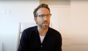 Ryan Reynolds vuelve a tirar de humor para una nueva campaña de su empresa de telefonía