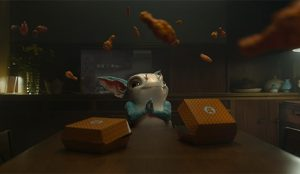 El adorable alienígena de este spot ama las alitas de pollo tanto como los terrícolas