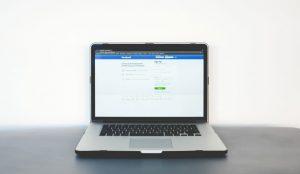Facebook anuncia nuevos controles para que los anunciantes puedan excluir temas en la sección de noticias