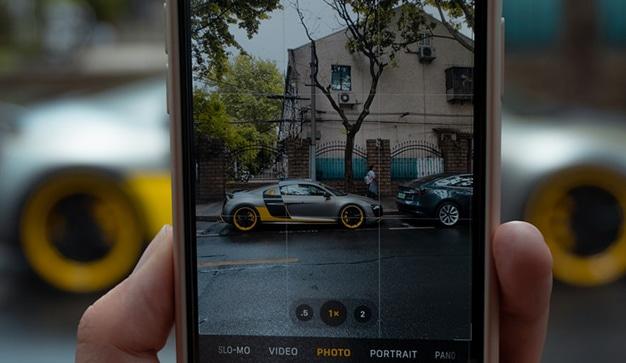 móvil y coches