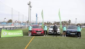 Las jugadoras y jugadores del RCD Espanyol ya conduce sus nuevos coches de ŠKODA