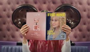 Dolly Parton pone voz y ritmo al anuncio de Squarespace de la Super Bowl