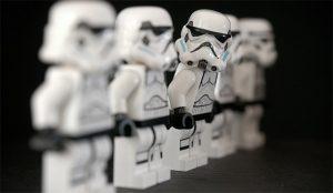Twitter y Facebook hacen más encarnizada la guerra de los clones de Clubhouse