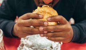 Los estadounidenses se topan de frente con la realidad de su mala alimentación en esta campaña