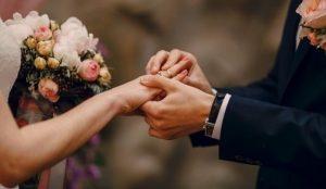 Président celebra San Valentín con las parejas que cancelaron su boda en 2020