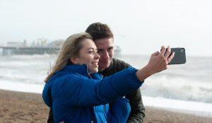 4 de cada 10 españoles declara su amor en plataformas digitales