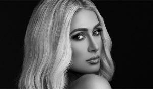 Paris Hilton se dispone a surfear también la ola de los podcasts