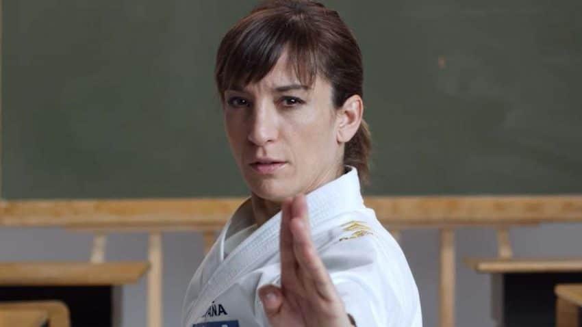 La campaña que denuncia el bullying en la escuela con la karateca Sandra Sánchez