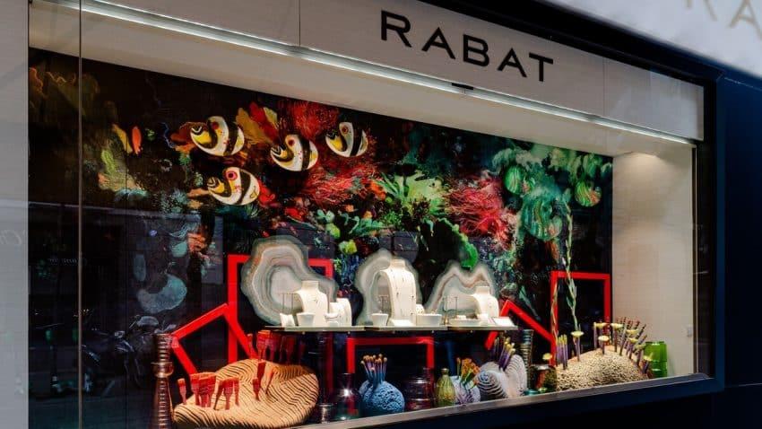 RABAT confía a (SOMOS) Firm el escaparatismo de sus boutiques de Madrid, Barcelona e Ibiza