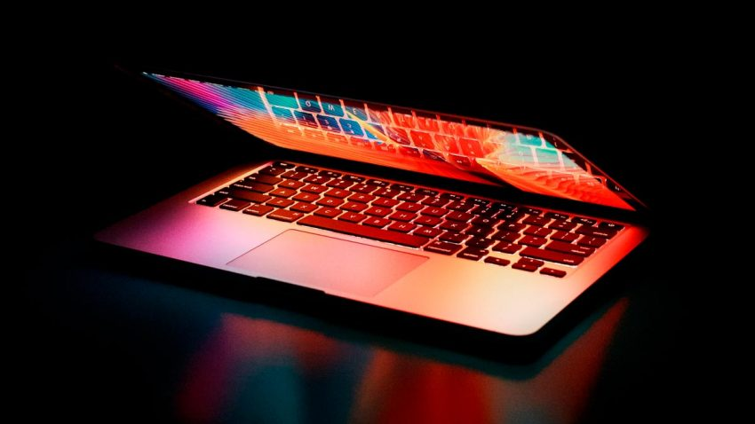 Altos y bajos del consumo de internet y las webs más visitadas en abril