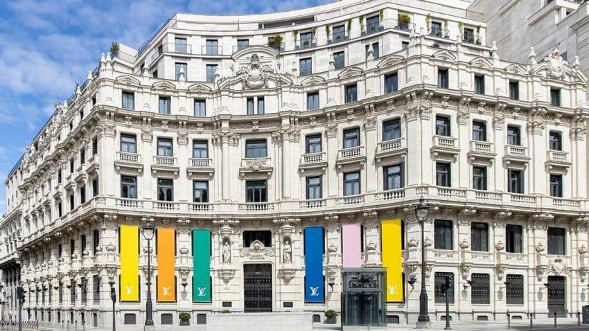 (SOMOS) Firm convierte Galería Canalejas en LOUIS VUITTON SAVOIR FAIRE