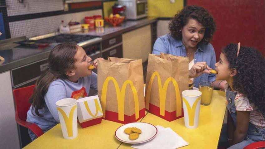 McDonald's utiliza sus envases para crear palabras en esta juguetona campaña