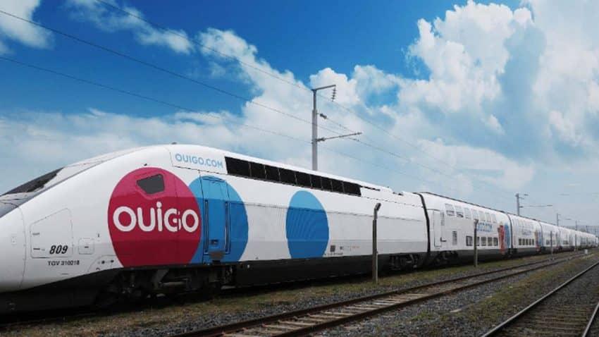 OUIGO reta a Manolo Lama y Edu Polo a buscar un apodo para sus trenes