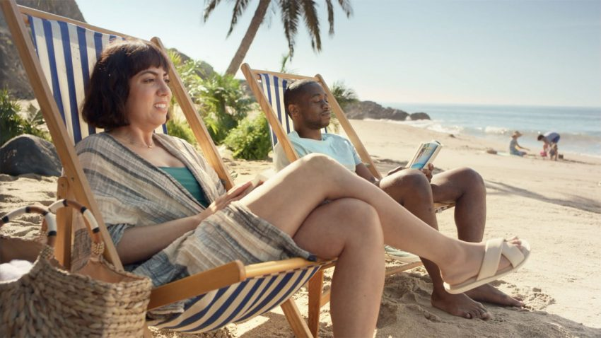 Esta cómica campaña de Snickers retrata tu afán por autosabotear tus propias vacaciones