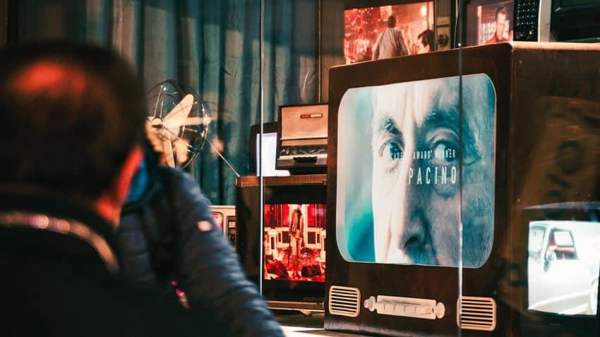 La televisión aguanta el tipo y resiste las fortísimas embestidas de la publicidad digital