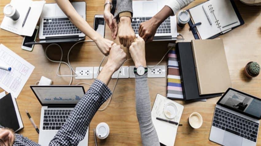 "Green Hut, la Startup que te convertirá en ""Bilingüe Digital"""