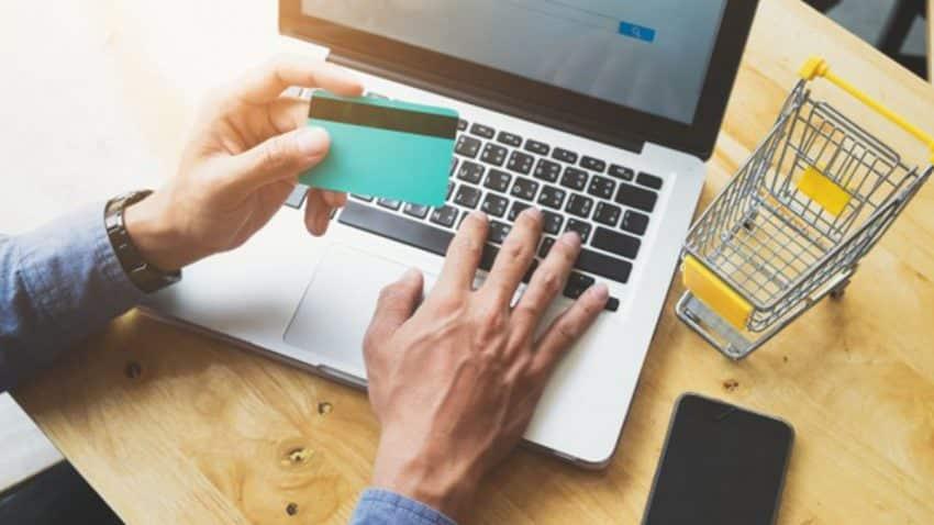 Tecnología y moda, los sectores en los que los españoles más compran a través de eCommerce y Marketplaces
