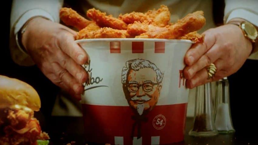 KFC recupera su esencia más vintage con un anuncio que recrea la publicidad de los 50