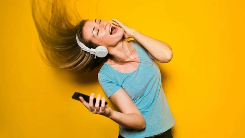 El podcasting extiende sus redes en las emisoras musicales de LOS40 y Cadena Dial
