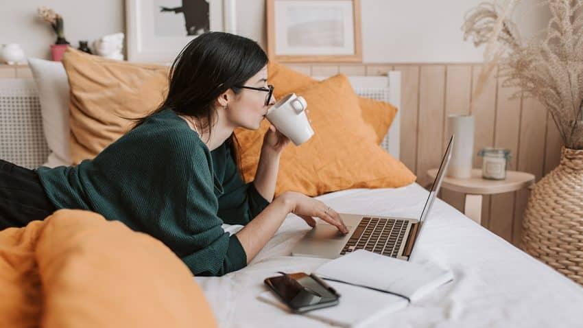 Bendita libertad y funesta soledad: la huella del teletrabajo en el día a día de las agencias