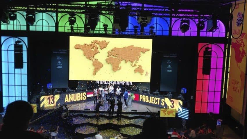 Reb Bull convierte el Teatro Caixabank Príncipe Pío en escenario de su gran final mundial del Red Bull Campus Clutch