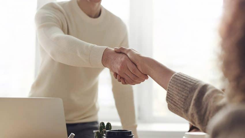 Hivestack anuncia su asociación global con The Trade Desk