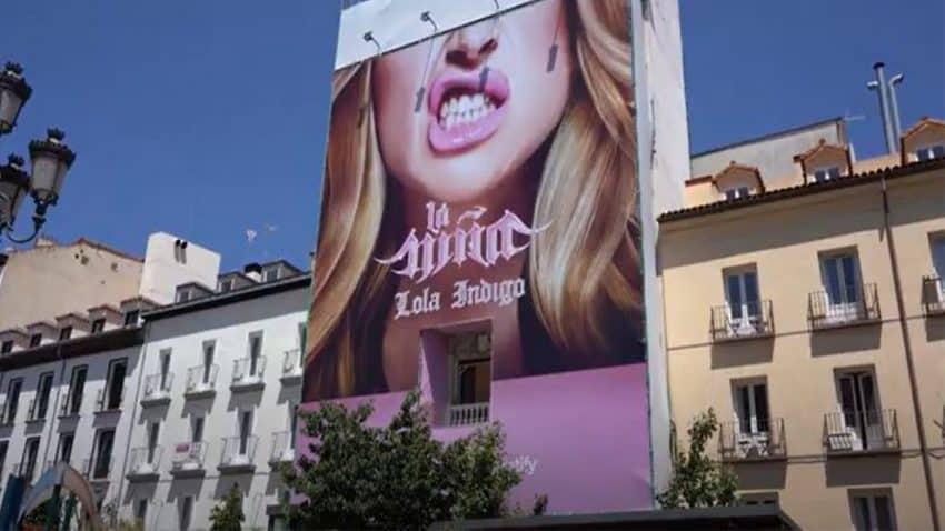 Un holograma de Lola Índigo estará cantando en la plaza de Santa Ana para presentar el nuevo álbum de la artista