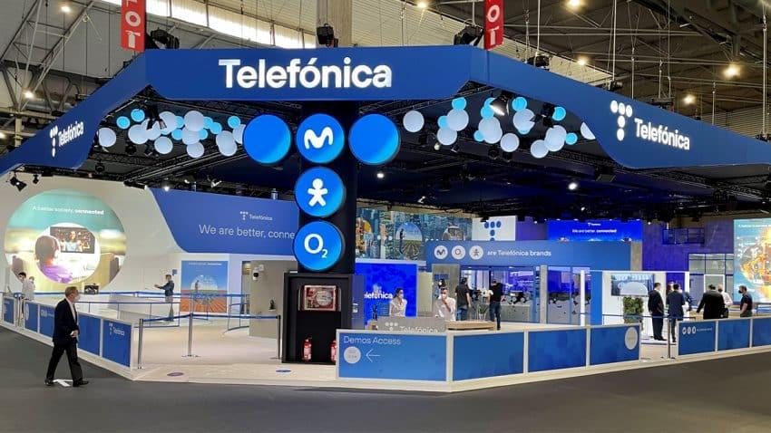 (SOMOS) Firm diseña y produce el stand de Telefónica para el MWC2021