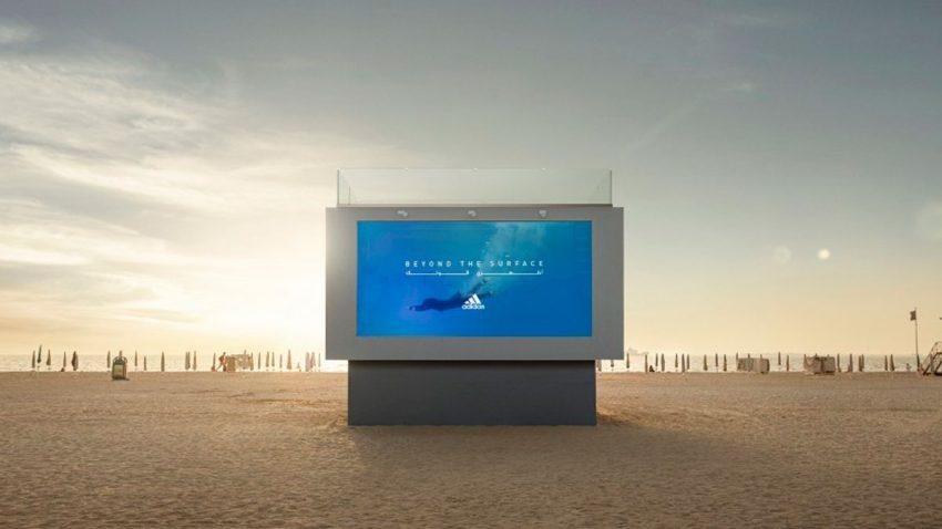 La curiosa valla publicitaria de Adidas: una piscina que fomenta la inclusión