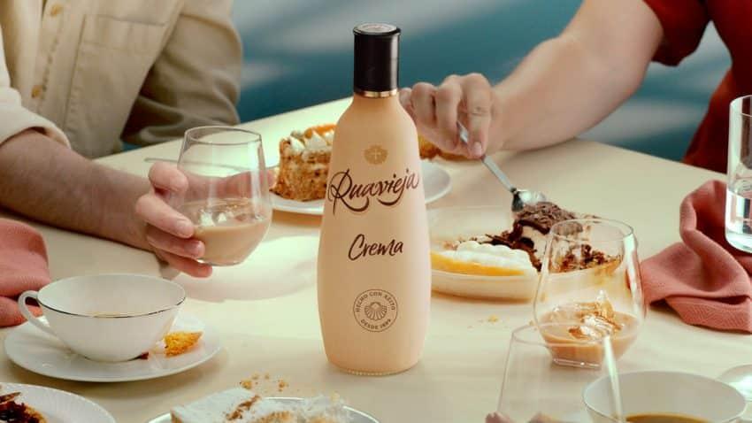 Pernod Ricard España lanza una nueva botella de Ruavieja 100% sostenible