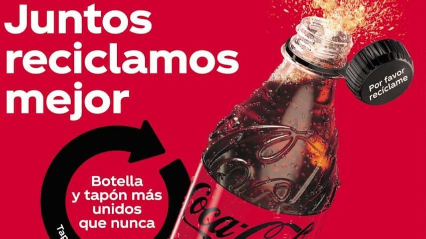 Coca-Cola prueba en España nuevos tapones adheridos a sus botellas en pos de la sostenibilidad