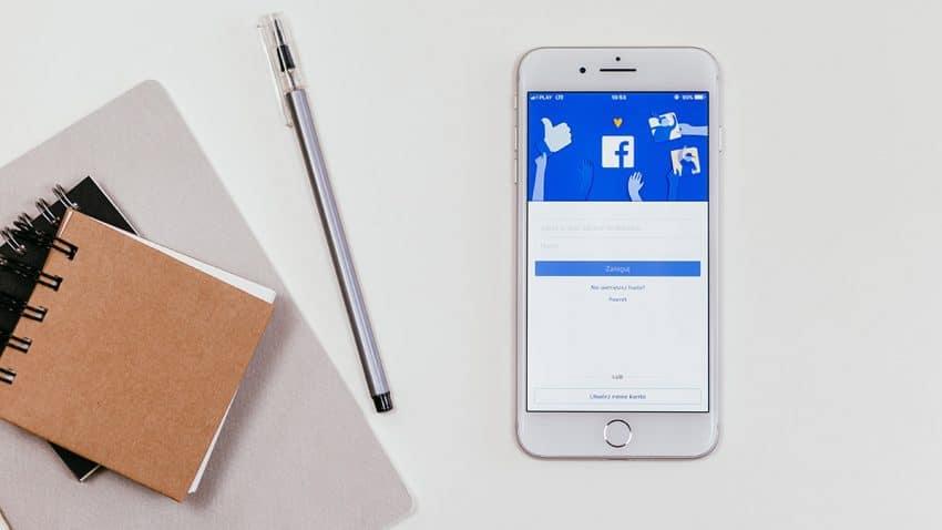 Facebook sigue aumentando frenéticamente sus ingresos, pero teme no poder aguantar el ritmo