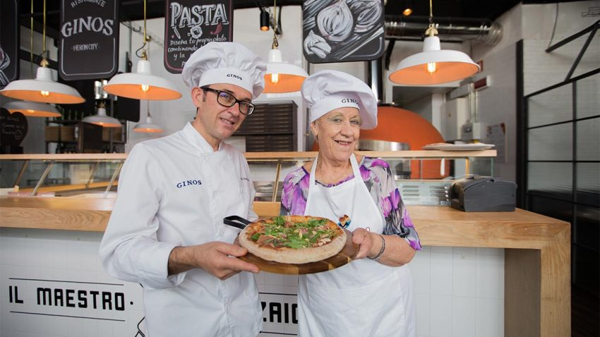 Ginos y Adopta Un Abuelo transforman la comida en minutos de compañía para los mayores