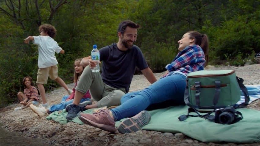 Nestlé Aquarel invita a reconectar con la naturaleza en su campaña de reposicionamiento