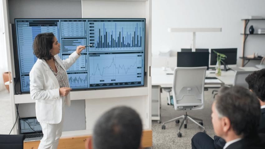 Salesforce anuncia sólidos resultados del segundo trimestre del año fiscal 2022