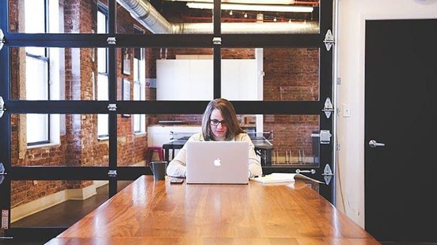 La normativa que debe cumplir una agencia de marketing digital en la actualidad