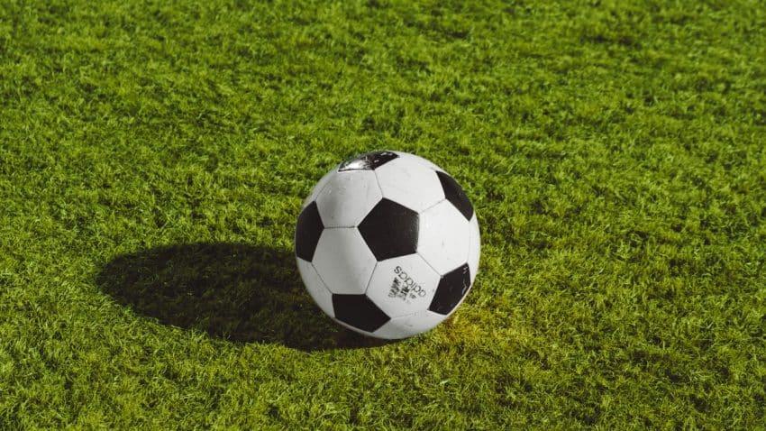 El futuro del deporte rey: ¿Estamos ante el fin del monopolio del fútbol en la televisión?