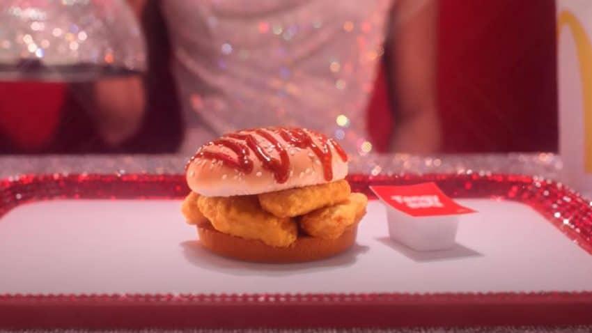 Kétchup por encima del pan y patatas en el Big Mac: El juguetón spot de McDonald's