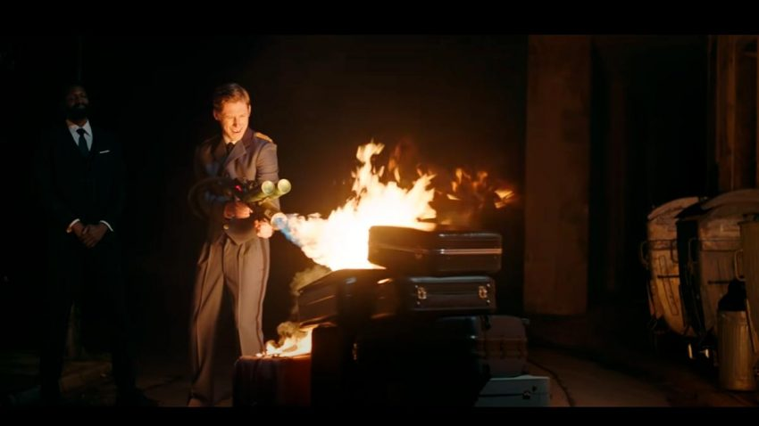 Nada es lo que parece en este hotel de Seagram's en el que se prende fuego al equipaje
