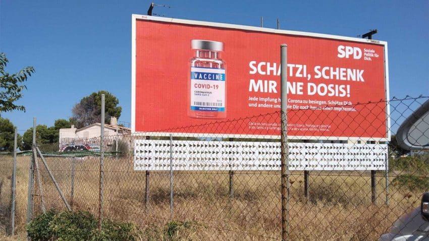La campaña para las elecciones alemanas llega a Mallorca a bordo de una jeringuilla (para la vacuna)
