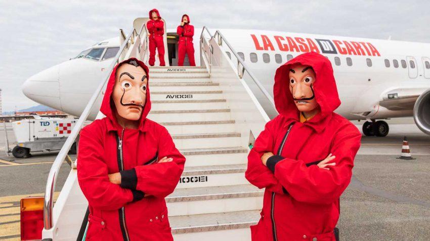 Netflix reúne en un avión a los mayores creadores de spoilers durante el estreno de La casa de papel