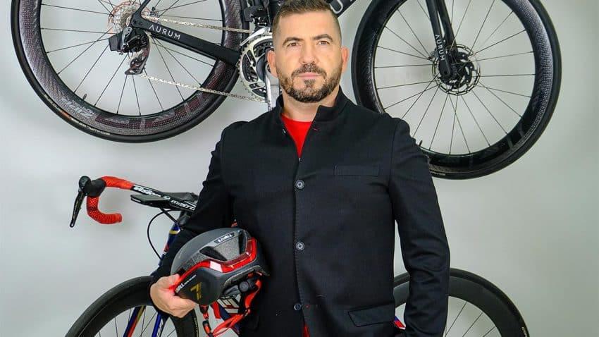 LIVALL abre su primera tienda física de cascos inteligentes en Madrid